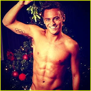 tom-daly-shirtless-under-the-mistletoe